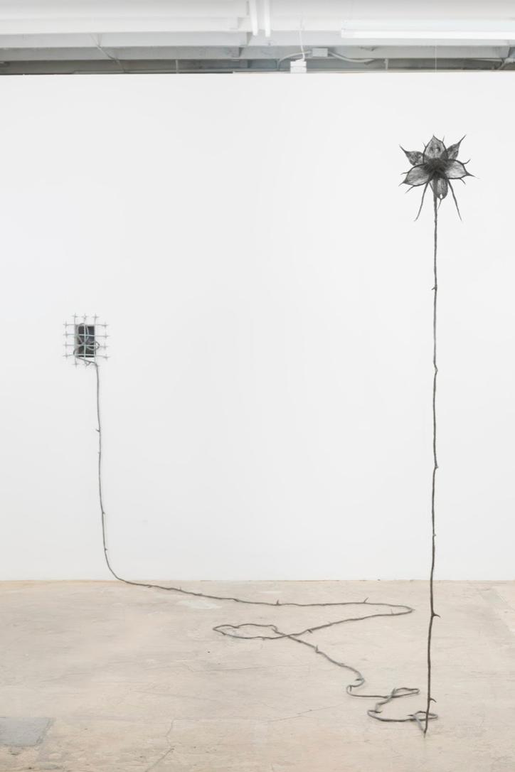 ASMA, The Nymph by the Window, 2019 Fibra de acero, bronce Cortesía de los artistas