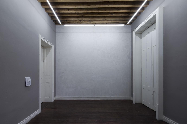 Isauro Huizar, Sin título (Muro), 2015, yeso sobre muro, 445 x 420 cm. Cortesía del artista, SOMA y Casa Maauad. Fotos por el artista y Ramiro Chaves.