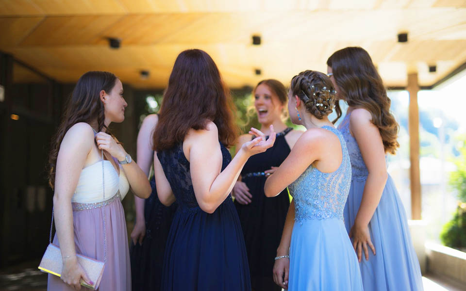 Quinceañera Guests – How To Choose Who To Invite