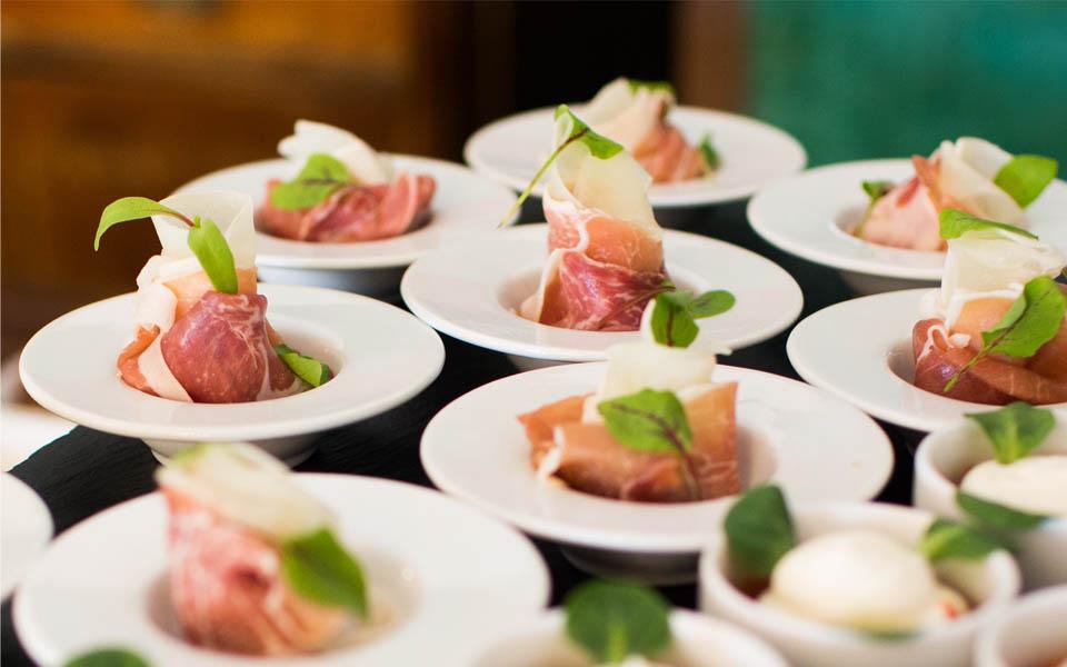 Como Escolher o Melhor Serviço de Buffet Para A Sua Festa de 15 Anos