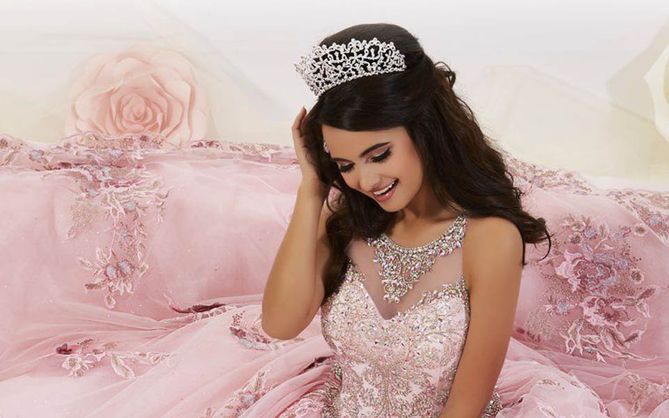 How To Choose The Perfect Quinceañera Tiara