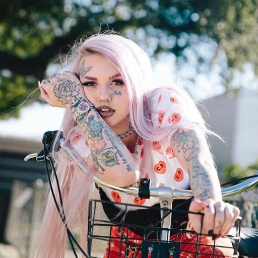 Baby Goth 🍼 ☠️