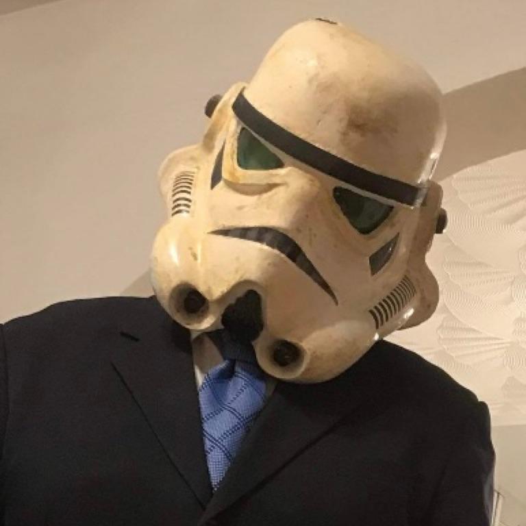 @ @ HOWIEE