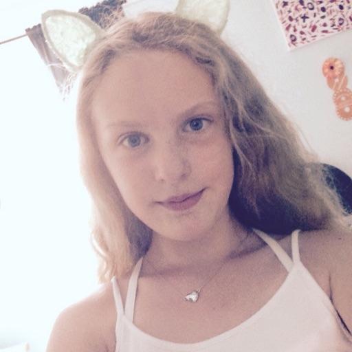 Emma_Loo_66