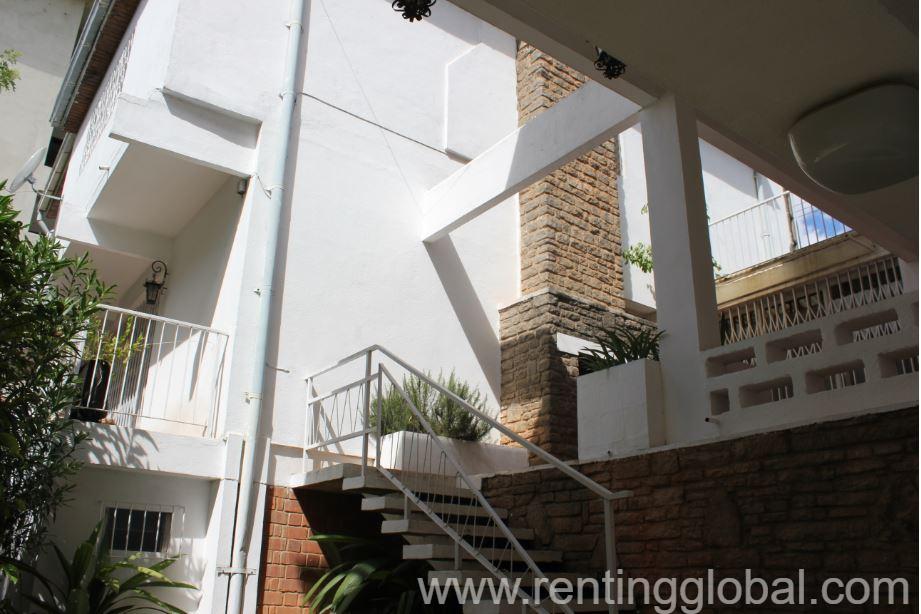 www.rentingglobal.com, renting, global, Antananarivo, Madagascar, a louer villa a ivandry, A LOUER - IVANDRY VILLA T4 DE STANDING AVEC GRAND JARDIN ARBORE