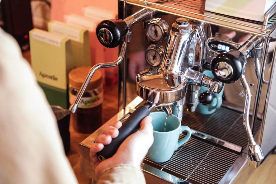 maquina-de-espresso-barista.jpg