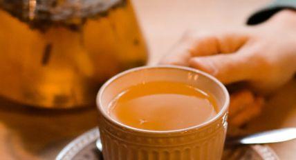 Diferença entre chá e infusão: você pode estar tomando a bebida errada a vida toda (e não há mal algum nisso)