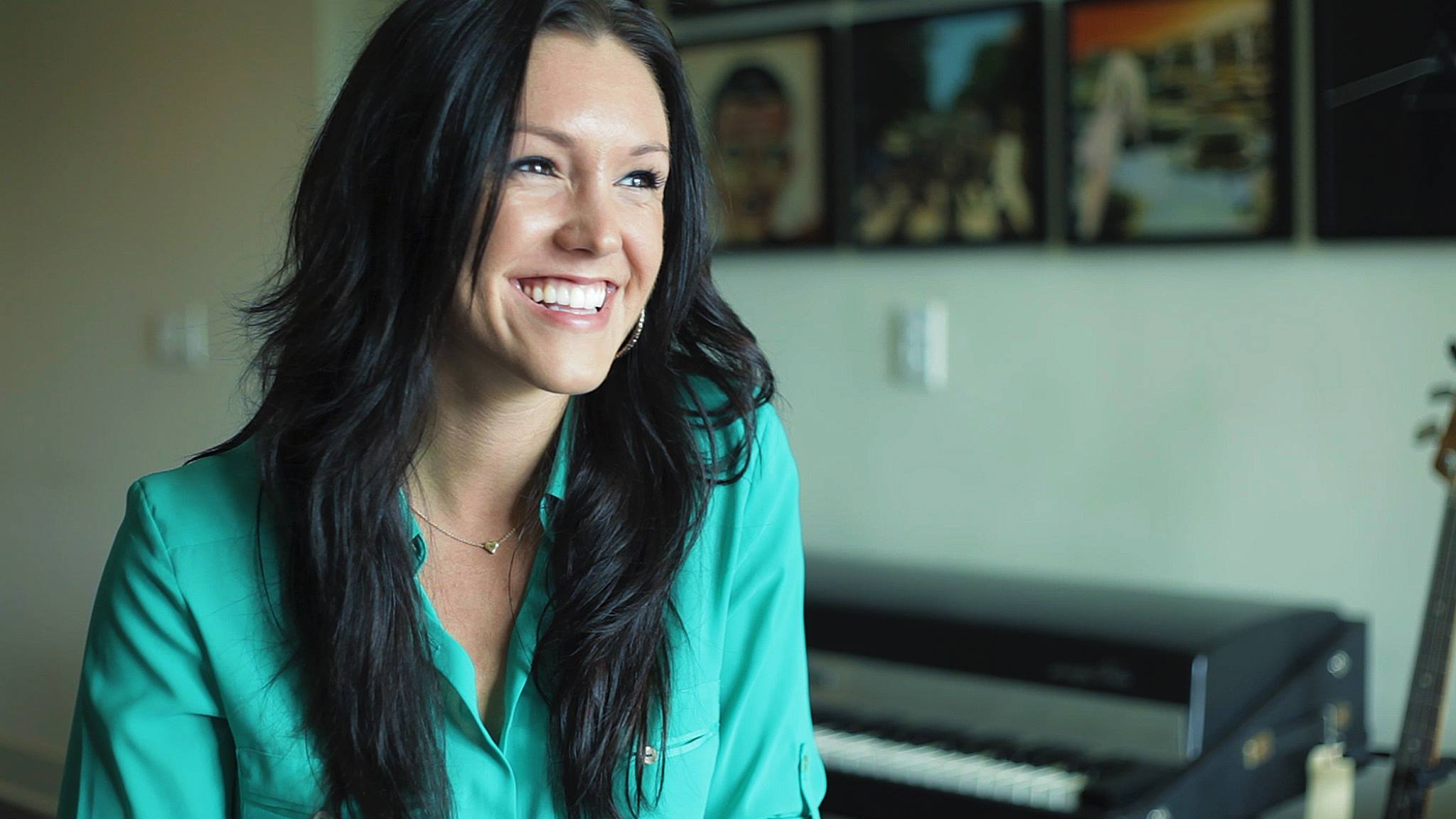 Learn Piano from an American Idol and The Voice Pro! 1