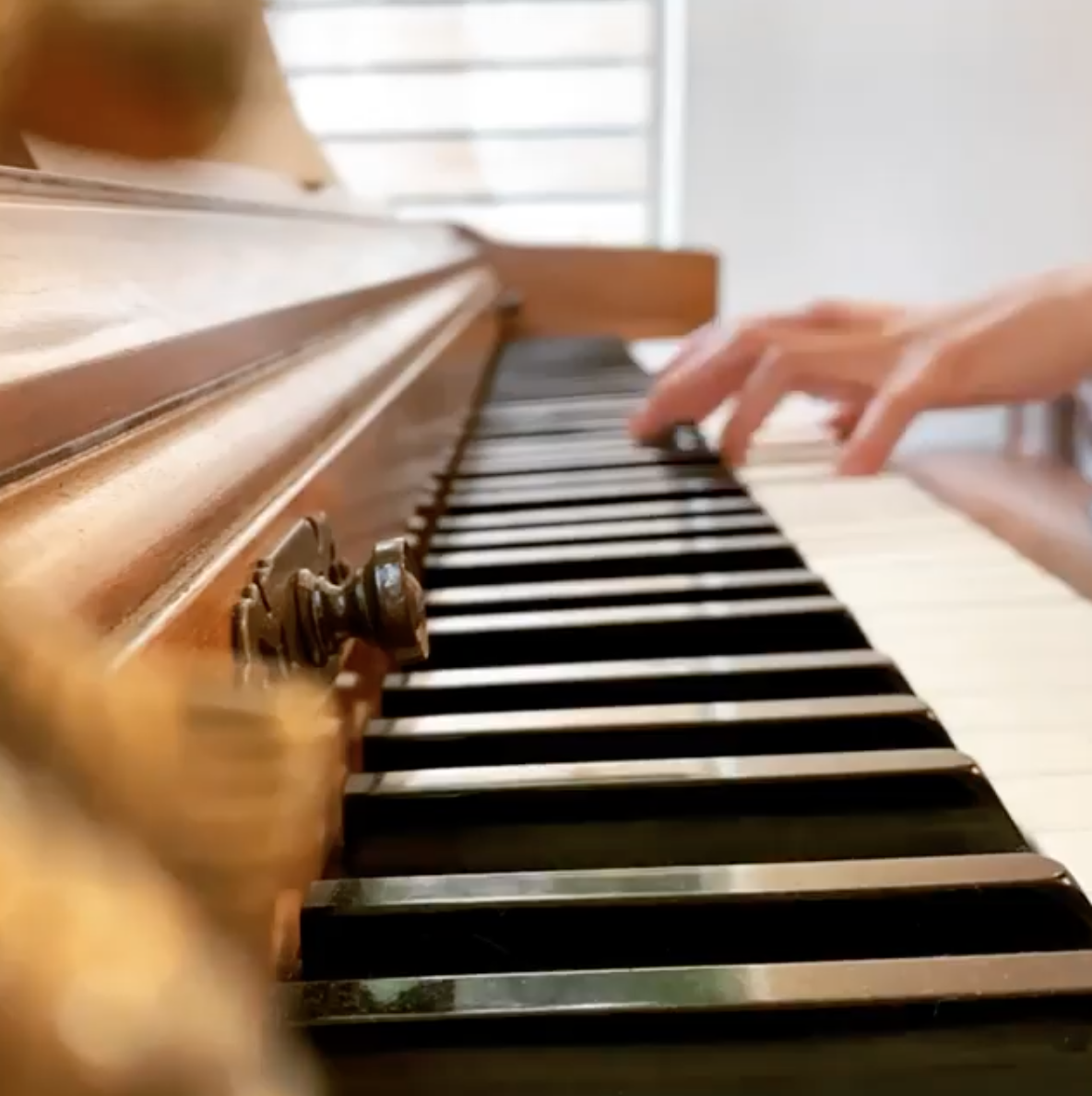 Learn Piano from an American Idol and The Voice Pro! 2