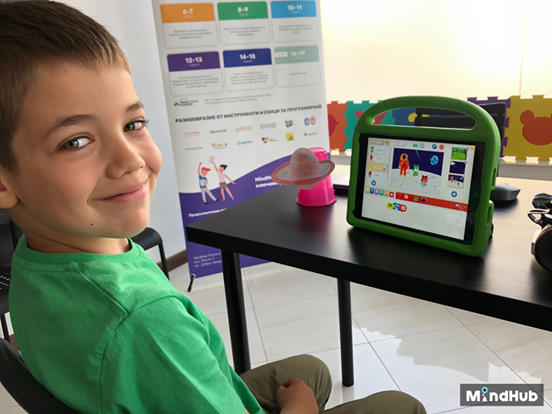 Coding Classes for Kids with MindHub | Ages 6-18 | Taught Over 5K+ Students 3