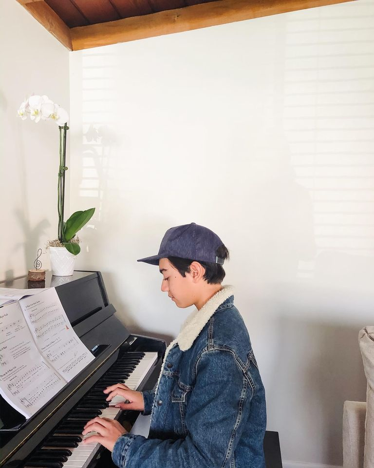 Piano, Guitar, Ukulele, & Singing Lessons | All Ages | Classical & Contemporary | Est. in 2011 2