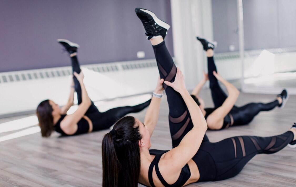 Yoga Sculpt HIIT Workout by @KWHITTTTT | Certified Yoga Sculpt Instructor 1