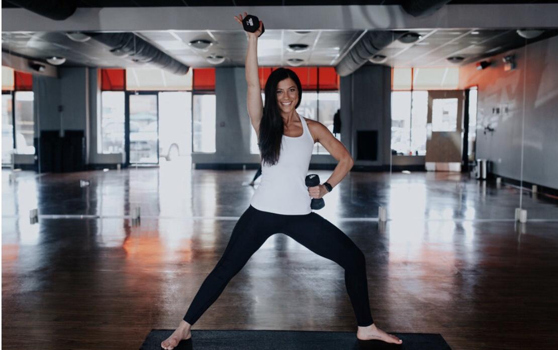 Yoga Sculpt HIIT Workout by @KWHITTTTT | Certified Yoga Sculpt Instructor 3