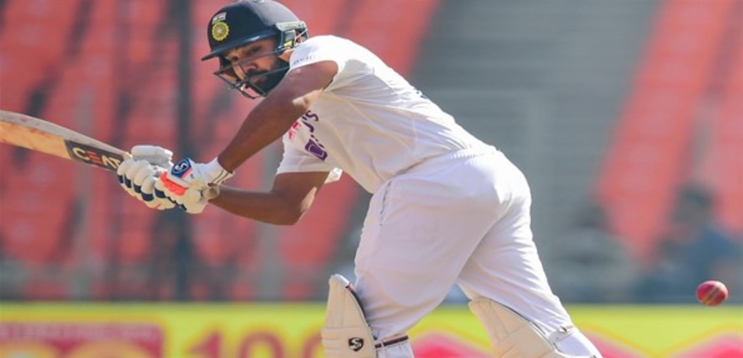 India reach 153-6 in reply to England's 205 at tea on Day 2