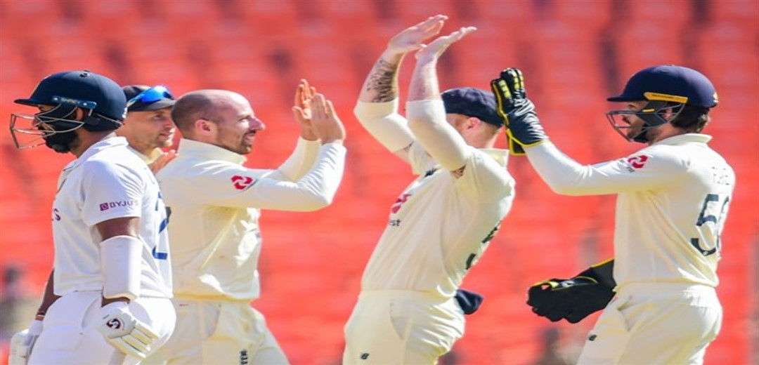 India reach 80-4 in reply to England's 205 at lunch on Day 2