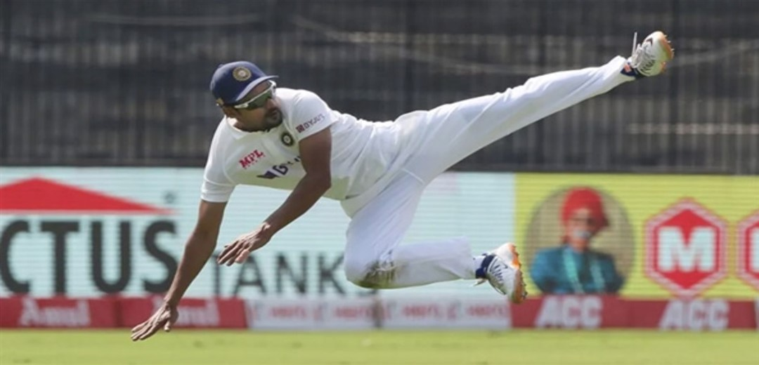 1st Test England elect to bat, India include left-arm spinner Nadeem