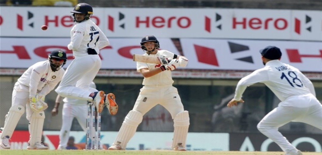 Root double ton powers England to 454/4 at tea