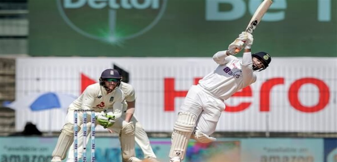 India all out for 337, give England 241- run lead