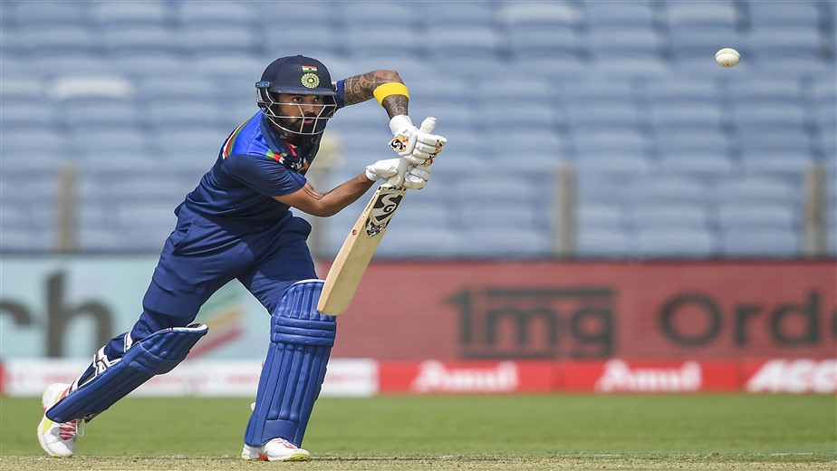 2nd ODI: Rahul, Pant steer India to 336/6 against England