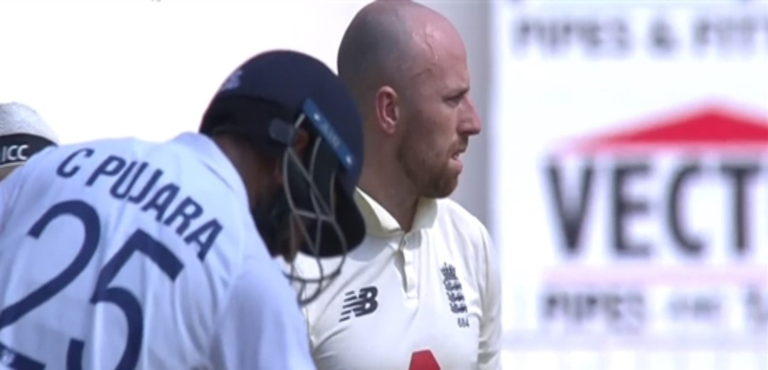 India have England on the mat at lunch on day two