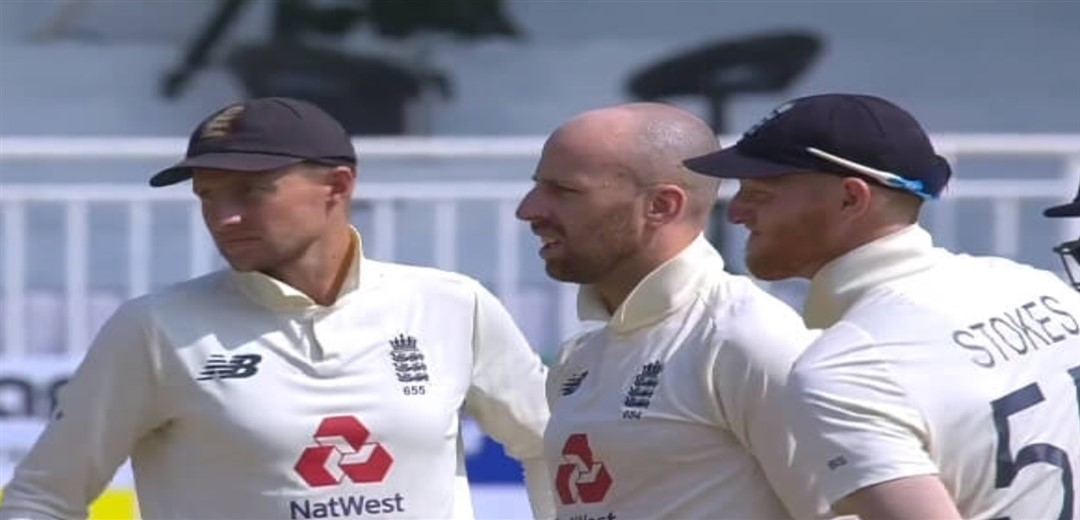 Controversy over third umpire decision, England's DRS reinstated