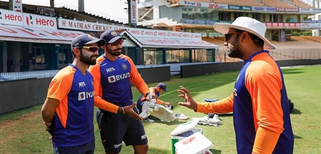 India opt to bat, Axar makes his debut, Kuldeep and Siraj in XI, Bumrah rested