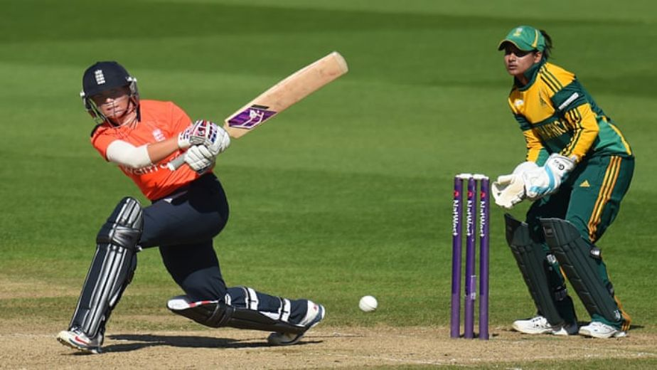 England women's cricket team lose Lauren Winfield-Hill before taking lunch at 86/1 against India