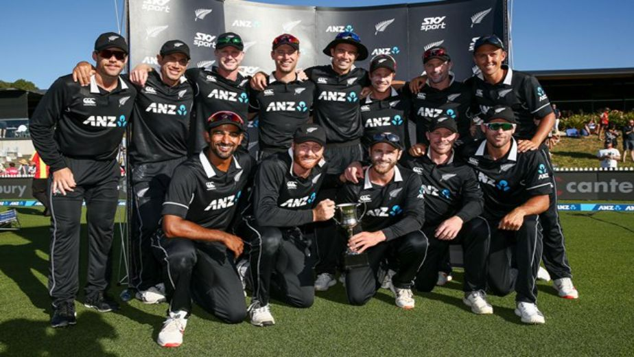 New Zealand cricket team elect to bowl, India go in with announced XI in overcast conditions