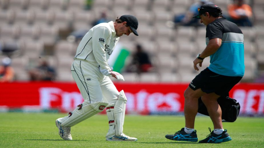 New Zealand cricketer B J Watling returns to keep in farewell Test despite dislocated ring finger