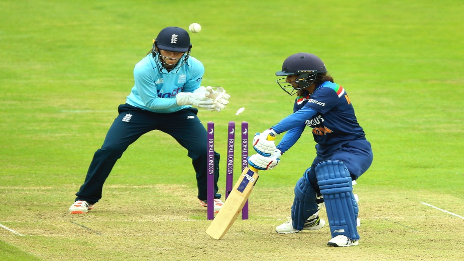 Women's ODI: Tammy Beaumont and Nat Sciver deflate India as England win 1st ODI by 8 wickets