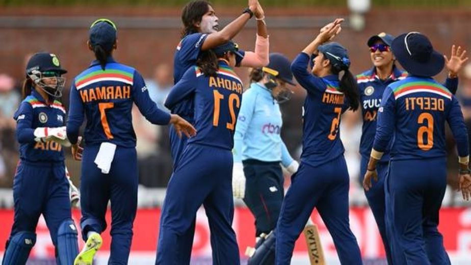 England opt to bowl against India in 2nd Women's ODI