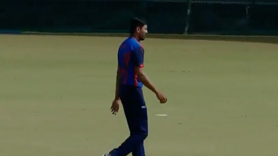 Injured Avesh all but out of England series with fracture in left thumb