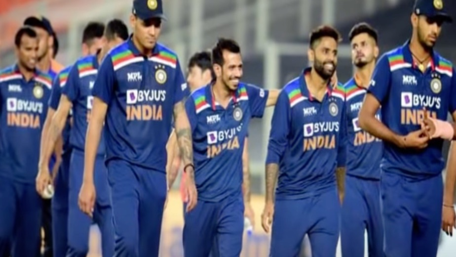 Sri Lanka beat depleted India by 4 wickets to keep series alive
