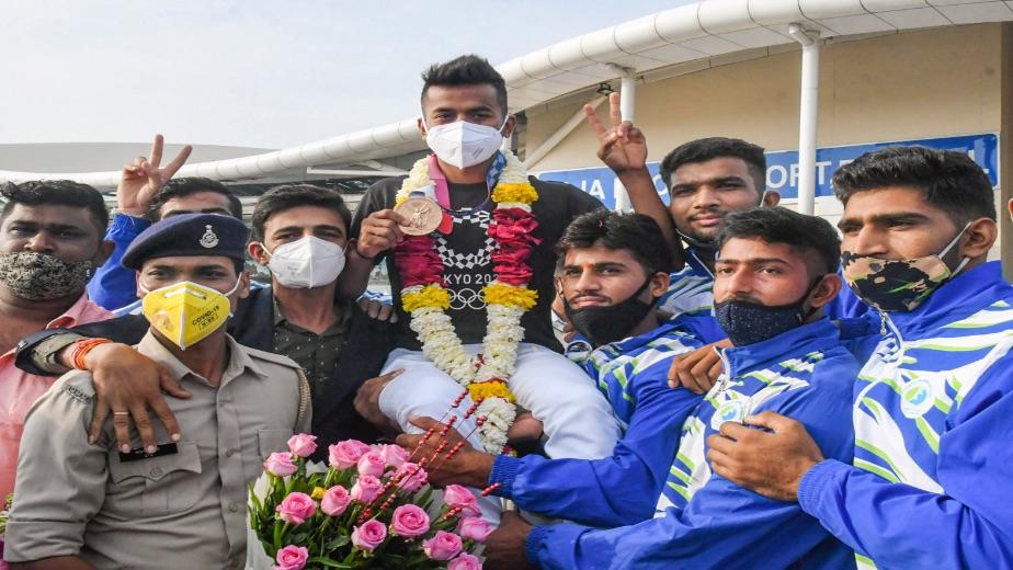 Madhya Pradesh government appoint Olympics hockey team member Vivek Sagar asDSP also felicitatewith Rs 1 cr reward