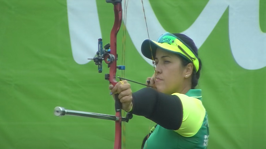 It's all in the family: Brazilian paddlerLethicia Rodrigues Lacerda relies on archer mom's advice at Tokyo Paralympics