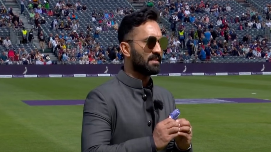 Ashwin must play at The Oval: Dinesh Karthik