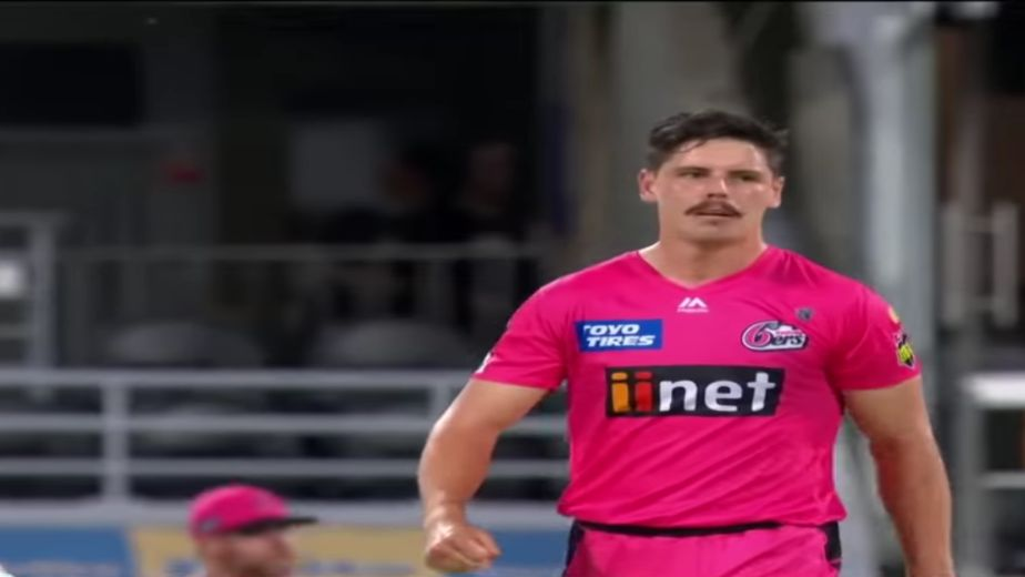 Uncapped Ben Dwarshuis replaces Woakes in Delhi Capitals squad