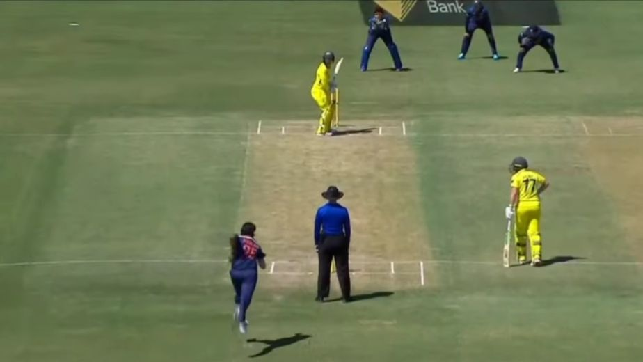 Australia recover to post 264/9 against India in 3rd WODI