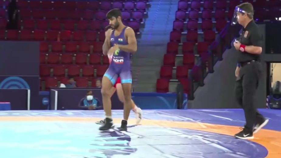 Ravinder reaches bronze medal play-off, others bite dust in pre-quarters