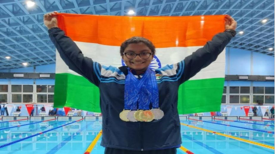 Rising swimming star Apeksha Fernandes is one to watch out for!