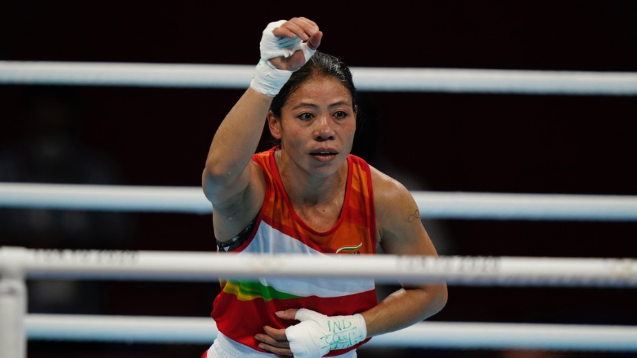 Mary Kom crashes out of the Tokyo Olympics after losing 3-2 to Ingrit Valencia
