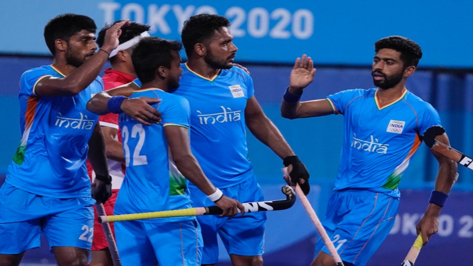 Indian men's hockey team finish 2nd in the group and qualify for the quarterfinals
