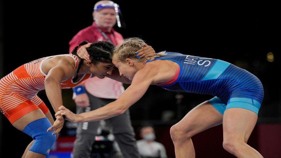 India's Vinesh Phogat loses to wrestler Vanesa Kaladzinskaya at the Tokyo Olympics