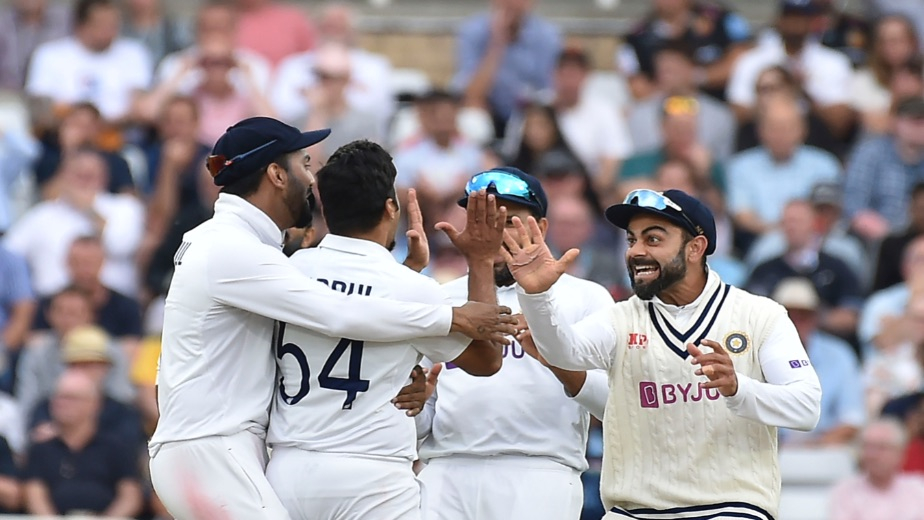 Indian seamers dominate to put England on the back seat on Day 1 at Trent Bridge