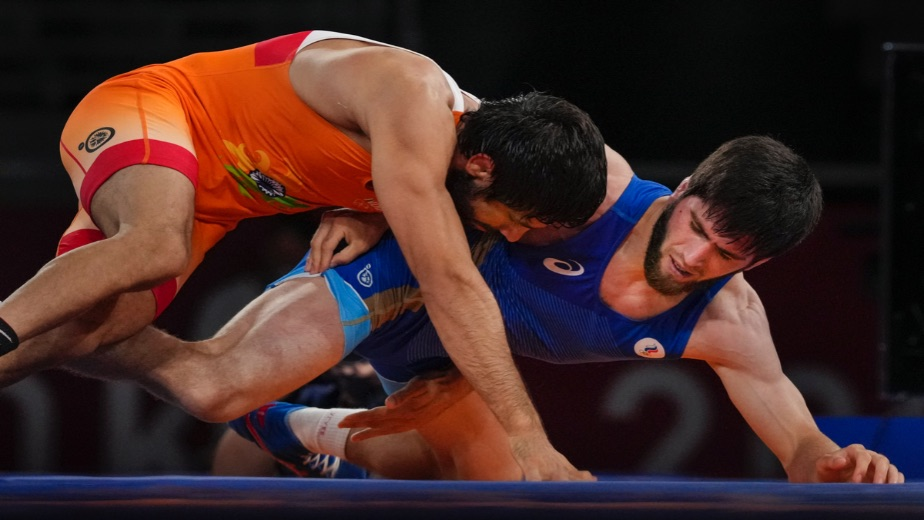 Day 14: India's medal haul increases with a silver and bronze on a day of mixed fortunes