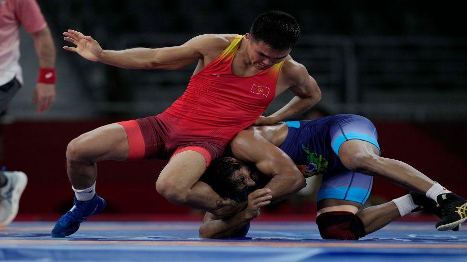 Bajrang Punia progresses to the semifinals after defeating Iran's Morteza Ghiasi Cheka