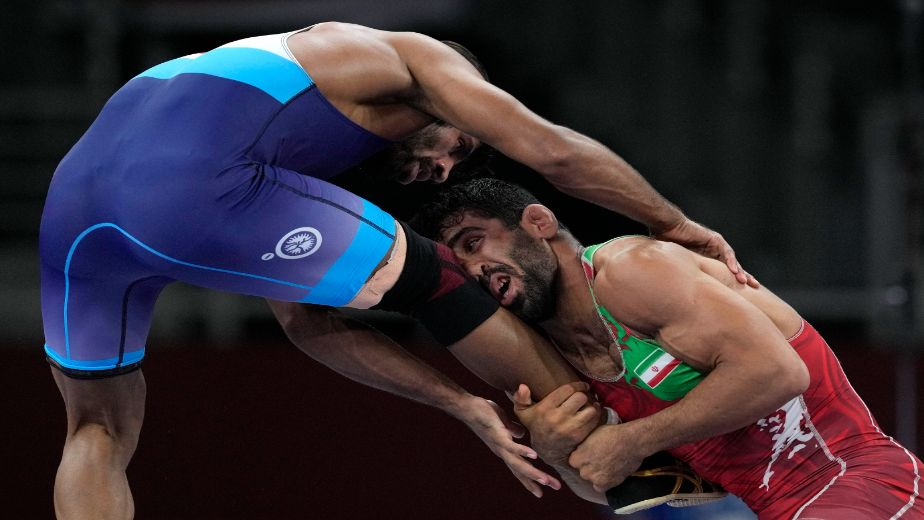 Medal hopeful Bajrang Punia to contest for bronze after losing semi final