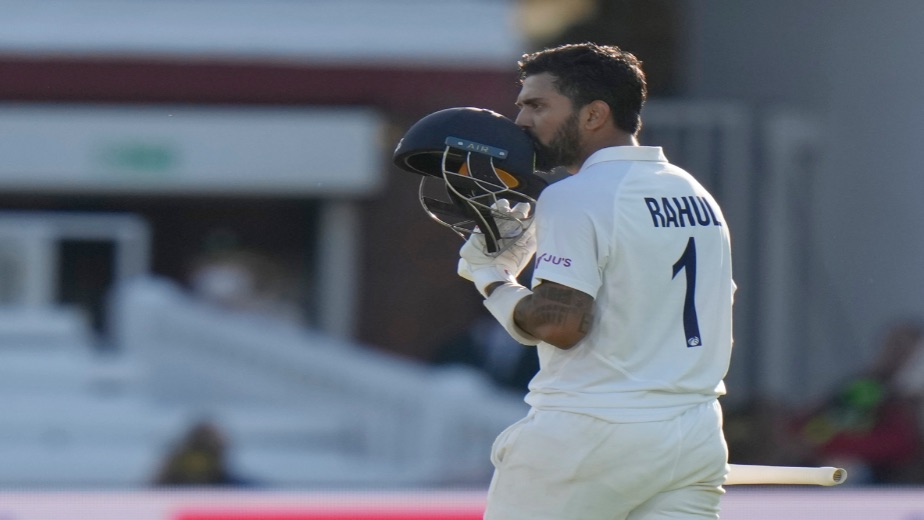 KL Rahul and Rohit Sharma's classic test match batting put India in a commanding position after day 1