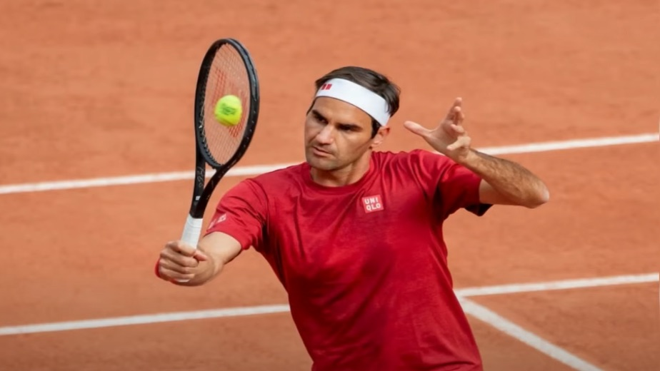 Tennis star Roger Federer set to undergo knee surgery, expected to be sidelined for months