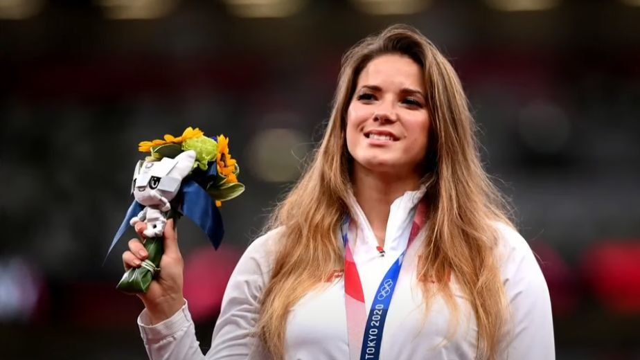 Polish javelin thrower Maria Andrejczyk helps eight month old get heart surgery by auctioning Olympic medal